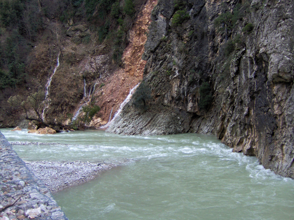 Το ποτάμι της Χελιδόνας Τρικεριώτης